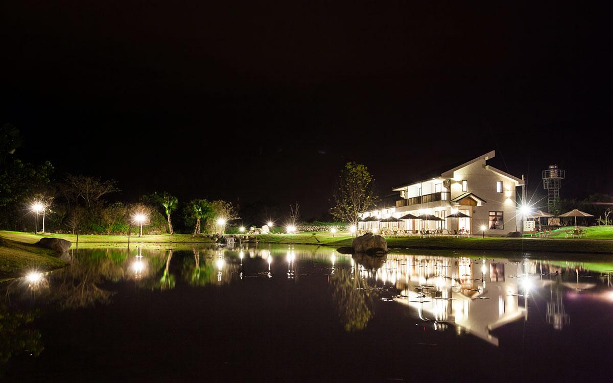 夏洛克Villa民宿照片: 夜景