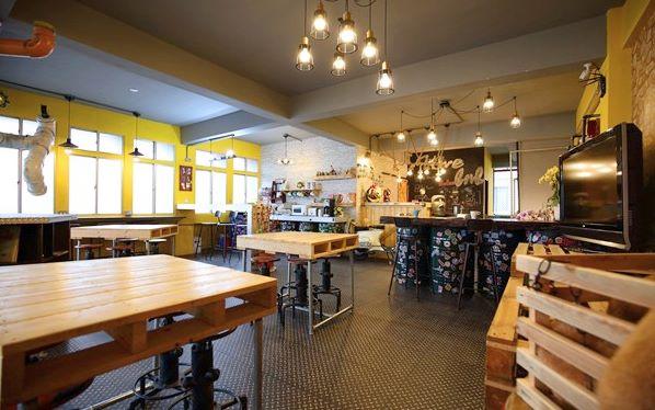蜂巢膠囊Hive BnB照片: 餐廳