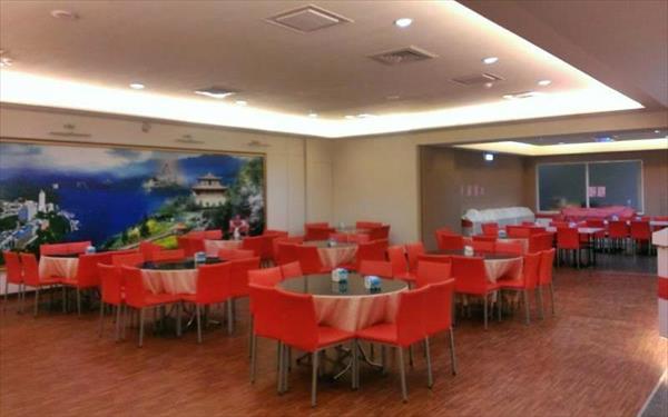 龍翔大飯店照片: 餐廳