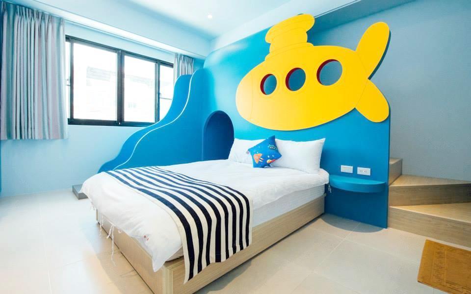 黃色風箏照片: 房間