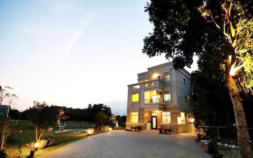 花路米親子庭園民宿照片: 外觀夜景