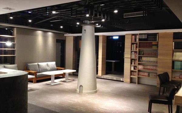 台北發現青年旅舍照片: 閱讀區