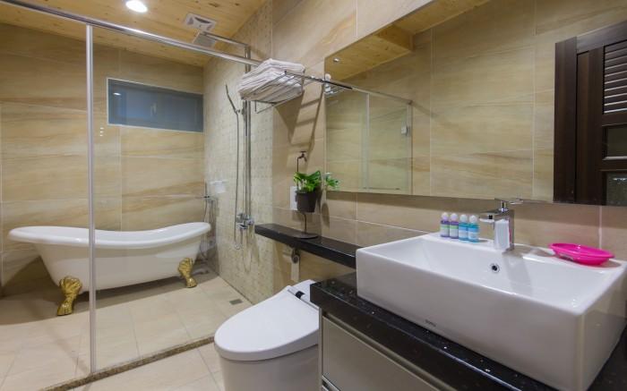 阿里巴巴休閒民宿照片: 花蓮親子民宿阿里巴巴休閒民宿浴室