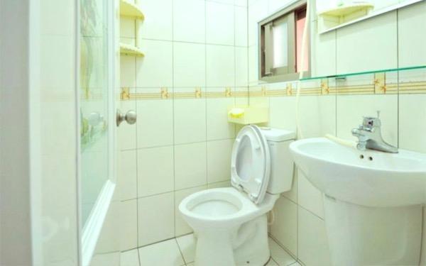 海墘民宿照片: 衛浴空間