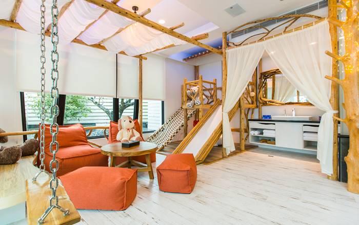 水岸楓林照片: 親子房