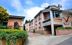 「紅磚屋特色民宿」主要建物圖片