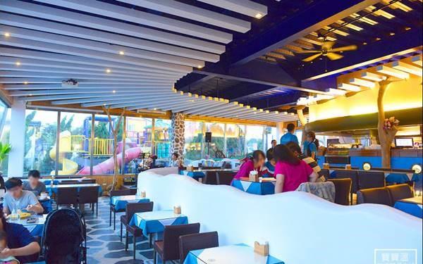 白圍牆景觀咖啡餐廳照片: CR=「bobowin」Blog