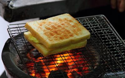 阿嬤碳烤三明治照片: CR= 「肉魯」BLOG