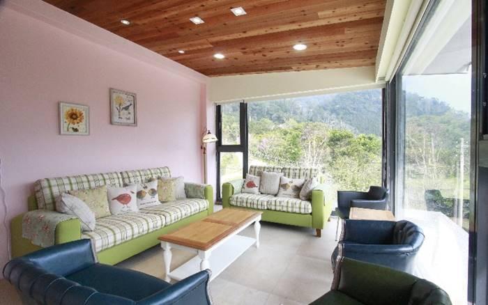 南庄全新美麗建築,提供優質精緻、高級飯店等級的住宿品質及不同風格的特色房型!
