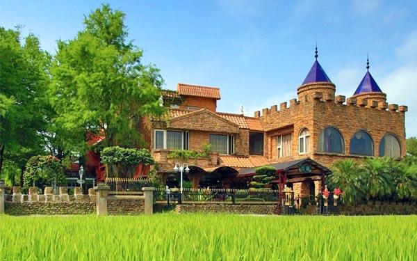 宜蘭民宿「芯園~親子滑梯城堡」
