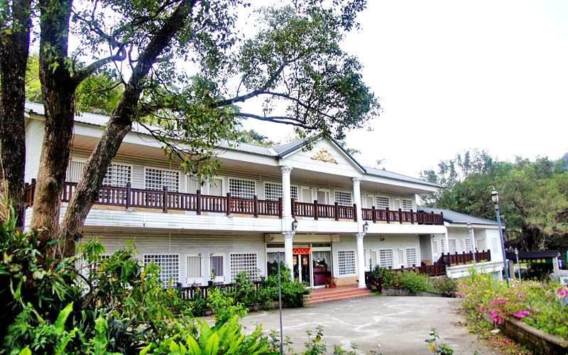 寬廣的庭院,溫馨的民宿,舒適的餐廳,以最貼心的服務讓您賓至如歸!