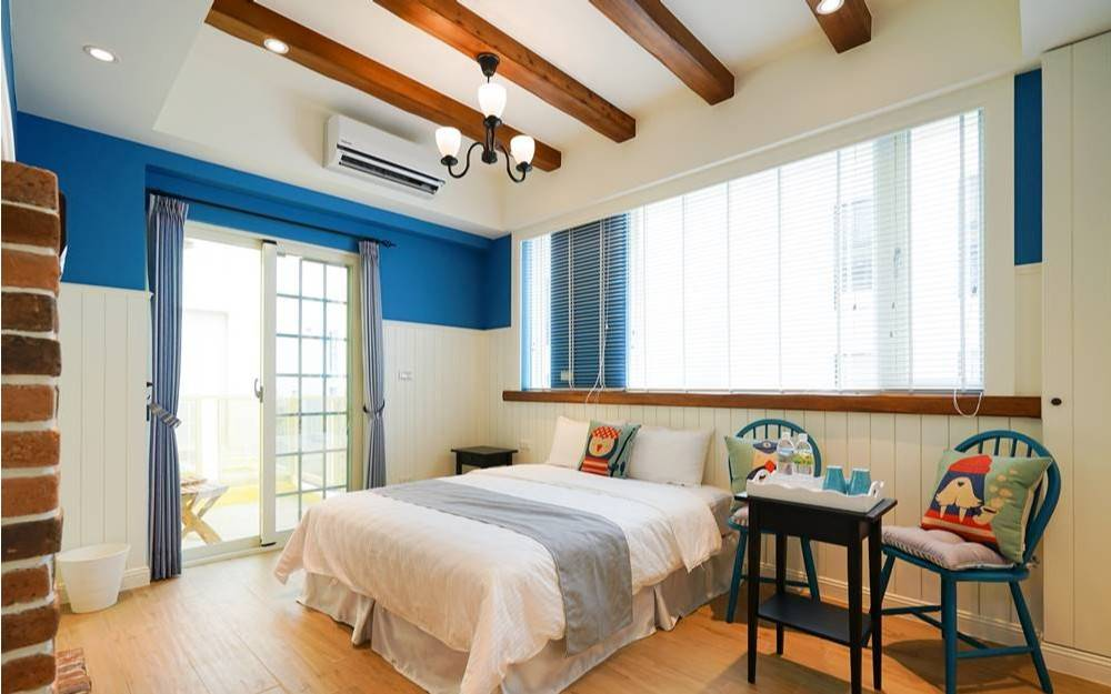 澎湖馬公市郊的一棟溫暖黃色小屋,在這裡享受陽光與海風,共度在澎湖的好時光!